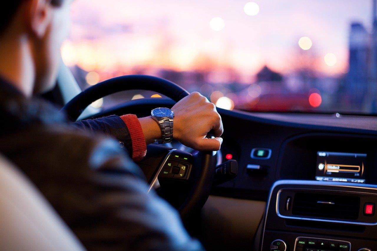 Voiture automatique, idéale pour les débutants de conduite.